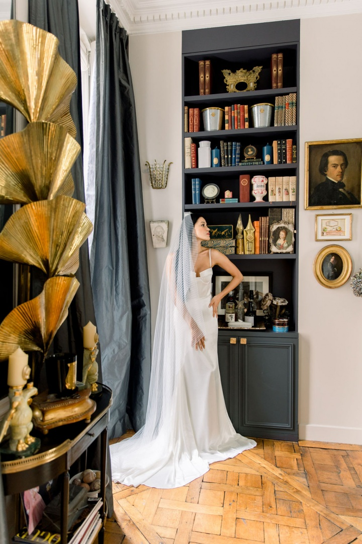 Wedding Dress Sales and Rentals store in Paris, France Bridal Boutique for the modern fashionable bride Handmade and silk and handmade. Unique and international designer wedding dresses