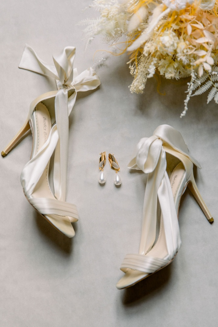 Wedding Dress Sales and Rentals store in Paris, France Bridal Boutique for the modern fashionable bride Handmade and silk and handmade. Unique and international designer wedding dresses bella belle shoes