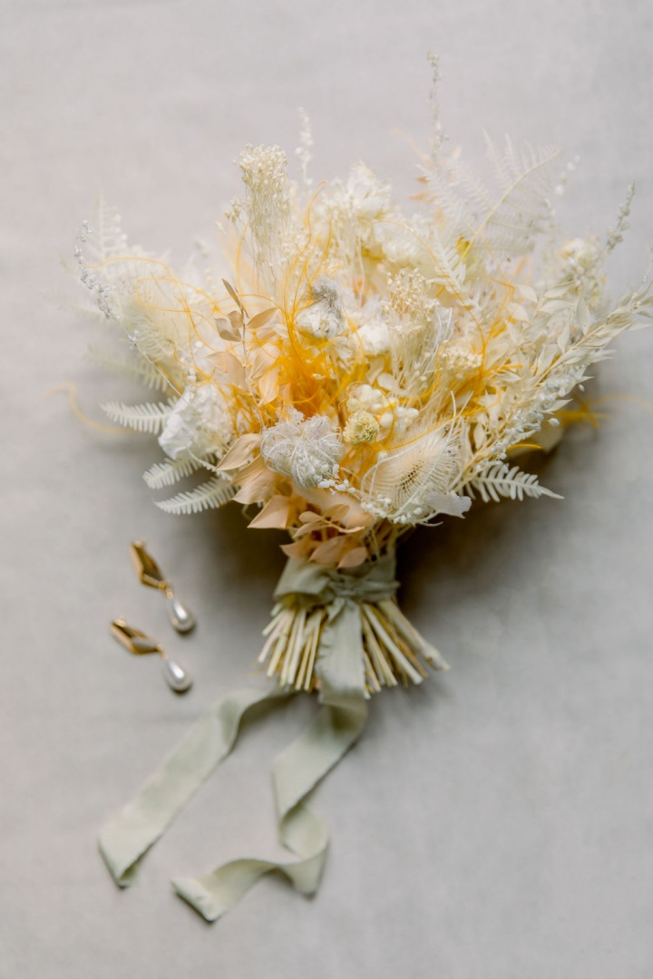 Wedding Dress Sales and Rentals store in Paris, France Bridal Boutique for the modern fashionable bride Handmade and silk and handmade. Unique and international designer wedding dresses bridal bouquet with dried flowers