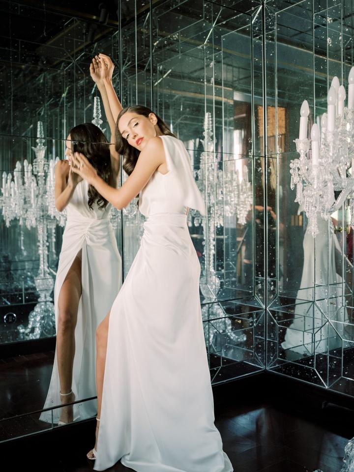 alon livne white wedding dress sold at VIVIENNE Paris bridal store